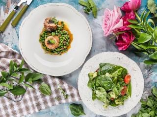 Собирать пазл Два блюда онлайн