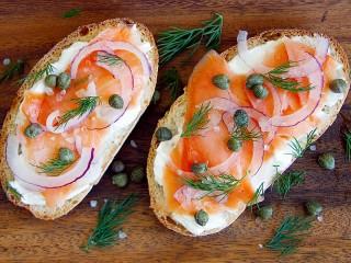 Собирать пазл Два бутерброда онлайн