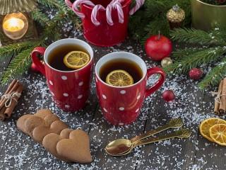 Собирать пазл Две чашки с чаем онлайн