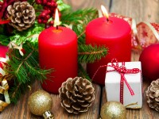 Собирать пазл Две свечи онлайн