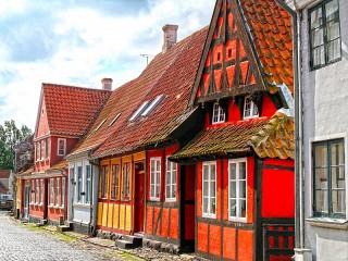Собирать пазл Эрёскёбинг Дания онлайн