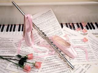 Собирать пазл Флейта и пуанты онлайн