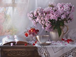 Собирать пазл Флоксы и ягоды онлайн