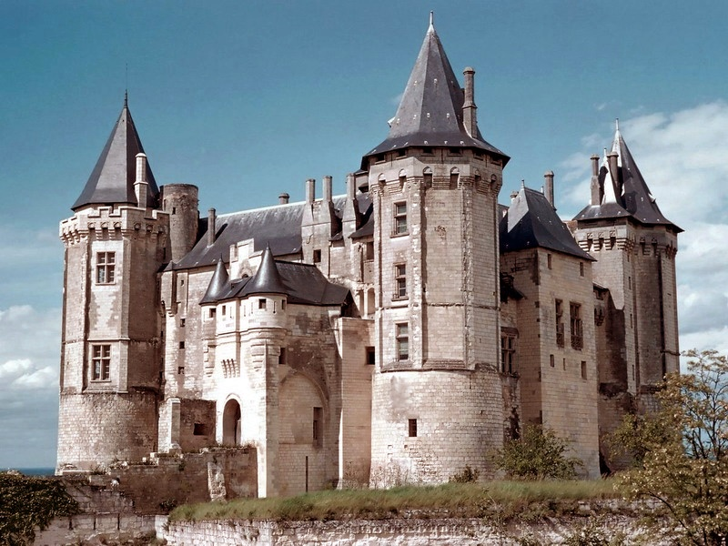 Пазл Собирать пазлы онлайн - Франция замок Сомюр