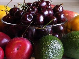 Собирать пазл Фрукты-ягоды онлайн