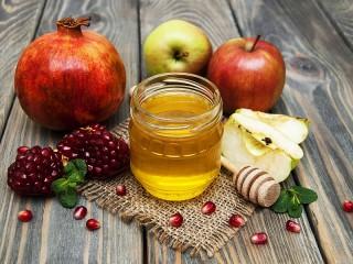 Собирать пазл Фрукты и мёд онлайн