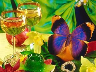 Собирать пазл Фрукты и шампанское онлайн