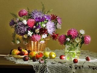 Собирать пазл Астры и фрукты онлайн
