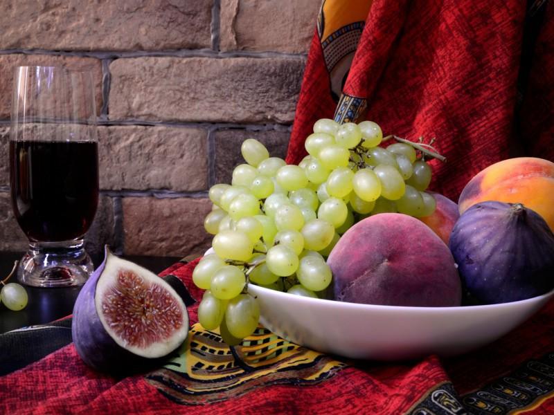 Пазл Собирать пазлы онлайн - Фрукты и вино