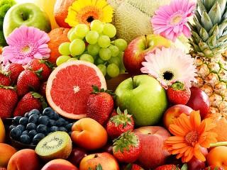Собирать пазл Фрукты и ягоды онлайн
