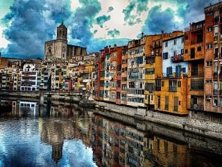 Собирать пазл Гирона Испания онлайн