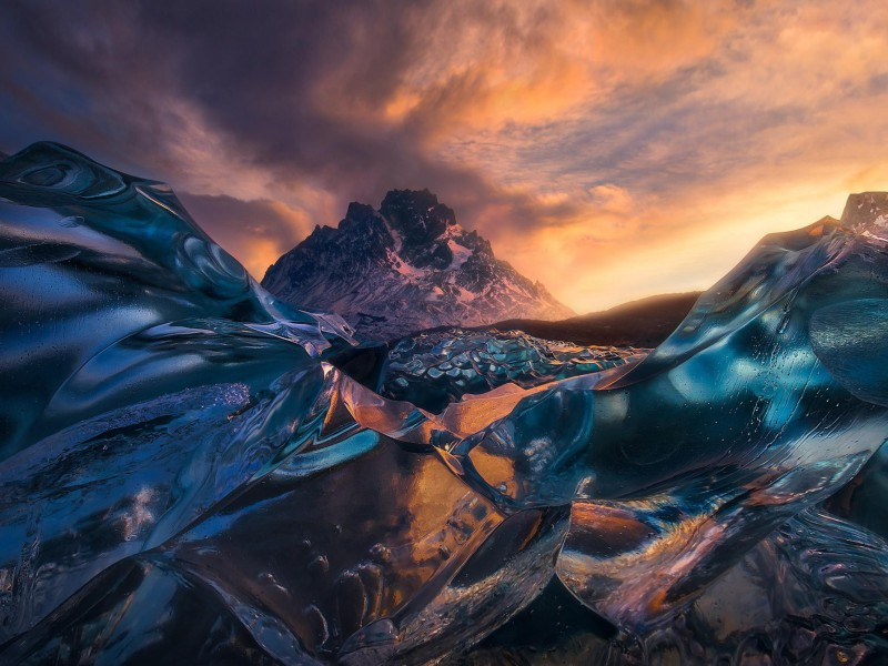 Пазл Собирать пазлы онлайн - Голубой лёд и гора