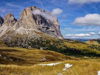 Собирать пазл Горы и облака онлайн