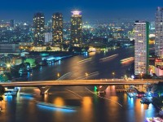 Собирать пазл Город в ночи онлайн