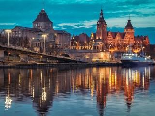 Собирать пазл Город в Польше онлайн
