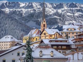 Собирать пазл Городок в Альпах онлайн