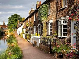 Собирать пазл Городок в Англии онлайн