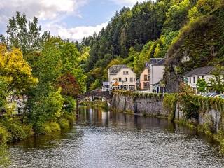 Собирать пазл Городок в Люксембурге онлайн