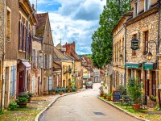 Собирать пазл Городок в Бургундии онлайн