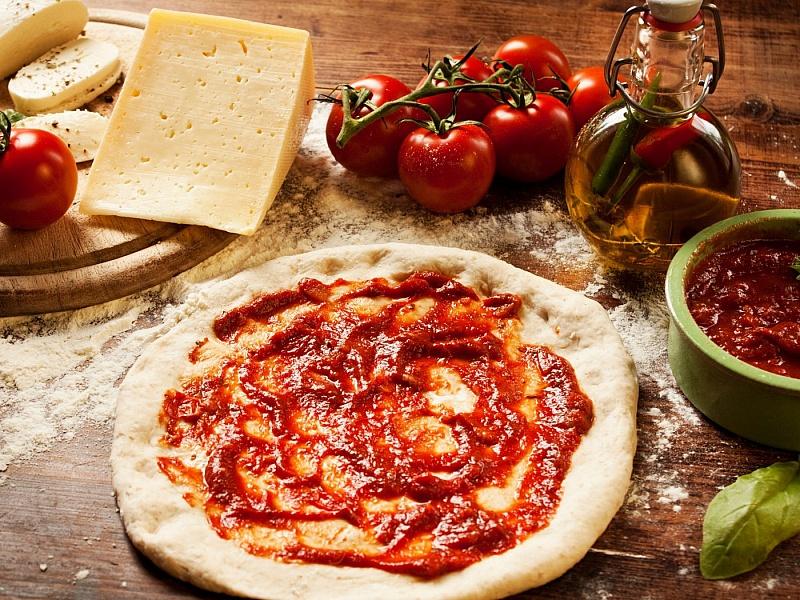 Пазл Собирать пазлы онлайн - Готивим пиццу