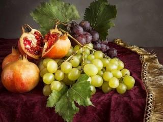Собирать пазл Гранат и виноград онлайн