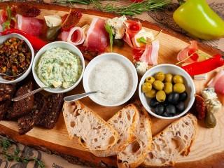 Собирать пазл Греческие соусы онлайн