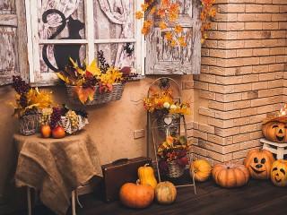 Собирать пазл Хэллоуинский дворик онлайн