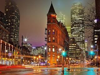 Собирать пазл Hочь в Торонто онлайн