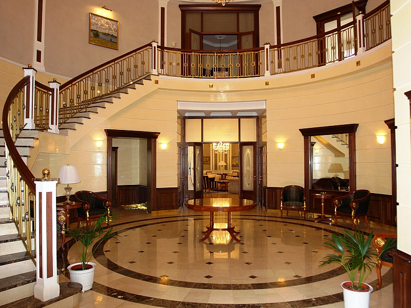 Пазл Собирать пазлы онлайн - Холл с лестницей