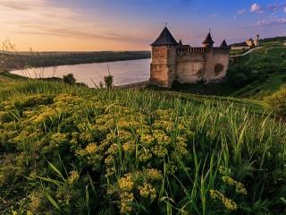 Собирать пазл Хотинская крепость онлайн