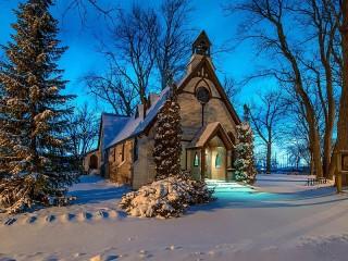 Собирать пазл Храм зимним вечером онлайн