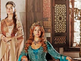 Собирать пазл Хюррем Султан онлайн