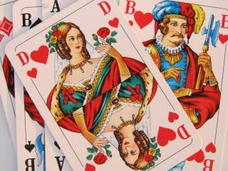 Собирать пазл Игральные карты онлайн