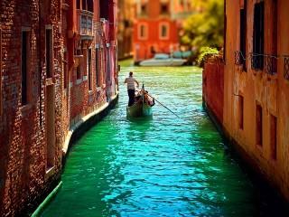 Собирать пазл Игрушечная Венеция онлайн