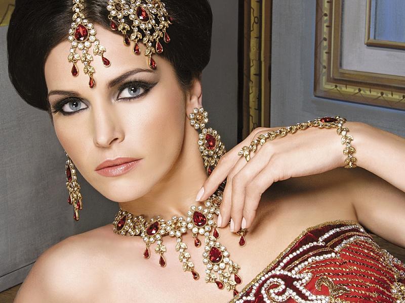 Пазл Собирать пазлы онлайн - Индийская невеста