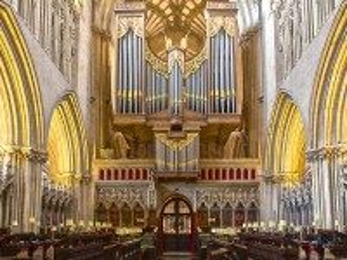 Собирать пазл Интерьер собора онлайн