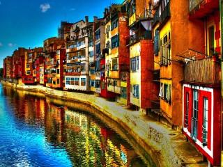 Собирать пазл Испанский город онлайн