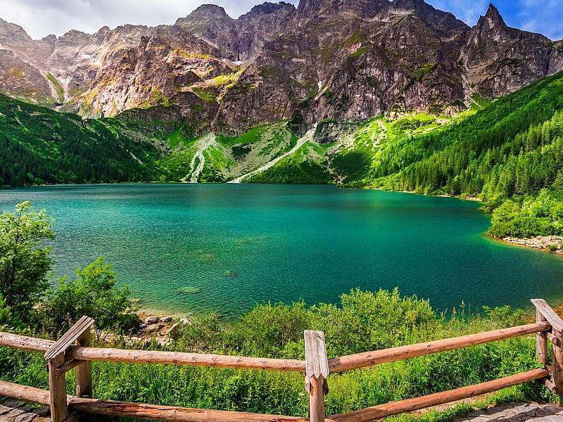 Пазл Собирать пазлы онлайн - Изумрудное озеро