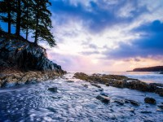Собирать пазл Камень и вода онлайн
