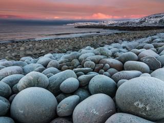 Собирать пазл Каменистый берег онлайн