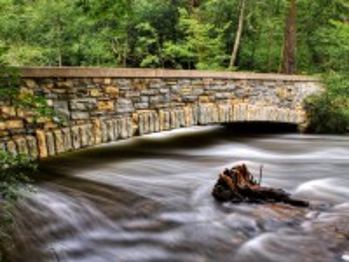 Собирать пазл Каменный мостик онлайн