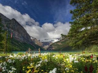 Собирать пазл Канада горы онлайн