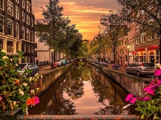 Собирать пазл Канал в Амстердаме онлайн