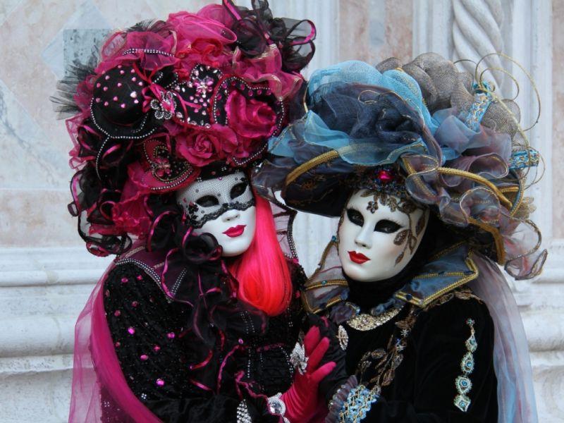Пазл Собирать пазлы онлайн - Карнавал в Венеции