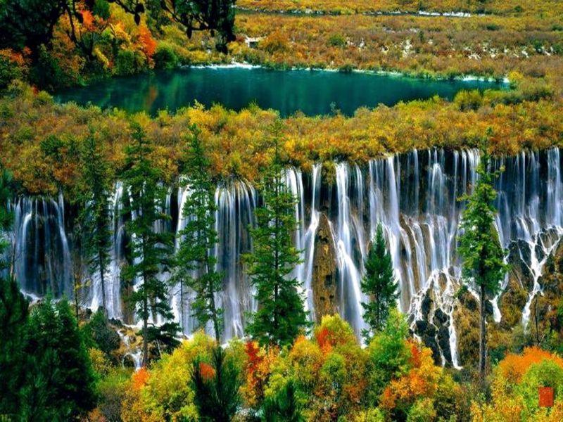 Пазл Собирать пазлы онлайн - Каскад водопадов
