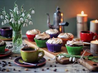 Собирать пазл Кексы и кофе онлайн