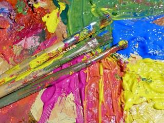 Собирать пазл Кисти и краски онлайн