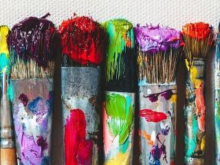 Собирать пазл Кисти в краске онлайн