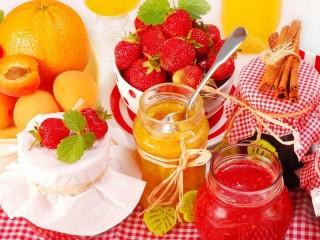 Собирать пазл Клубника и апельсины онлайн