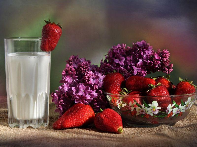 Пазл Собирать пазлы онлайн - Клубника с молоком